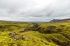 Widok na północnym oceanie od wzgórza w Iceland Zdjęcie Stock