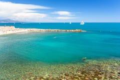 Widok na pięknym błękitnym morzu od Antibes, francuski Riviera, cote d ` azur, Francja obraz stock