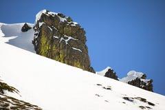 Widok na pięknym wierzchołku snowcapped skalisty pasmo górskie w Pyrenees, France Obraz Royalty Free