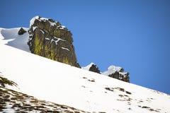 Widok na pięknym wierzchołku snowcapped skalisty pasmo górskie w Pyrenees, France Zdjęcie Stock