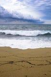 Widok na plaży na burzowym dniu Obrazy Stock