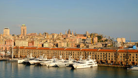 Widok na portu i miasta genui 24 - Włochy - 04 2017 Zdjęcie Stock