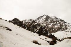Widok na sposobie Annapurna Podstawowy Obozowy teren Obraz Stock