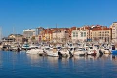 Widok na Starym porcie Gijon i jachty, Asturias, Północny Hiszpania Fotografia Stock