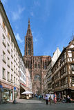 Widok na Strasburskiej katedrze od Rucianego Merciere, Francja Obraz Stock