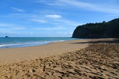 Widok na tillet plaży w Guadeloupe zdjęcia stock
