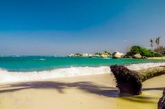 Widok na tropikalnej plaży Tayrona park narodowy w Kolumbia Zdjęcie Royalty Free
