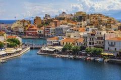 Widok nad Agios Nikolaos schronieniem, Crete Obrazy Royalty Free