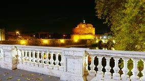 Widok nad Castel Sant Angelo od pięknych mostów nad Rzecznym Tiber w Rzym Obrazy Royalty Free