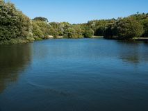 Widok nad jeziorem w miasto parku Porto, Portugalia w Matosinhos obrazy stock