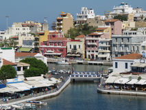 Widok Nad Jeziornym Voulismeni, Agios Nikolaos, Crete, Grecja Obraz Stock