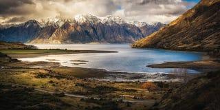 Widok nad Jeziornym Wanaka Nowa Zelandia fotografia royalty free