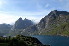 Widok nad krajobrazem przy Lofoten zdjęcie stock
