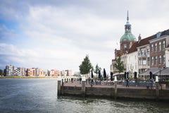 Widok nad Maas rzeką w Dordrecht, holandie zdjęcia royalty free