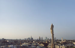 Widok nad Mediolan od gothic katedralnych Duomo di Milano, Włochy Fotografia Royalty Free