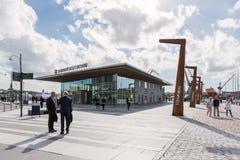 Widok nad Stenpiren podróży centre pogodny letni dzień z ludźmi chodzi outside Zdjęcia Stock