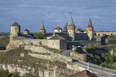 Widok Najwięcej kasztelu Kamianets-Podilskyi w Zachodnim Ukraina i Zamkowy Obrazy Royalty Free