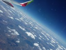 Widok niebo z niektóre chmurnieje Fotografia Royalty Free