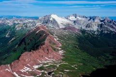 Widok niewygładzone łosia pasma góry zbliża osiki, Kolorado zdjęcie stock