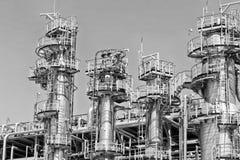 Widok nowe kolumny chemiczna aparat roślina dla oleju ref i Obraz Stock