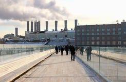 Widok nowy nowożytny spławowy most Zdjęcie Royalty Free