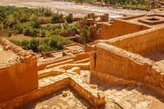 Widok oaza pod Ait Ben Haddou fortecą Fotografia Royalty Free