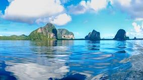 Widok od łódkowatego żeglowania w morzu, Trang prowincja, Południowa Zdjęcie Stock