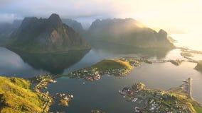 Widok od above wioska Reine w Lofoten wyspach zdjęcie wideo