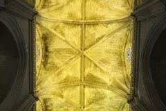 Widok od bellow gothic krypta, Seville katedra, Hiszpania obraz stock