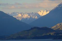 Widok od Bennetts blefu punktu obserwacyjnego, Jeziorny Wakatipu, Nowa Zelandia zdjęcie royalty free