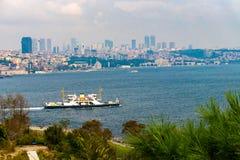Widok od Bosphorus kanału przy Istanbuł w Turcja fotografia royalty free