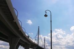 Widok od dna czerep most i wiadukt zdjęcie royalty free