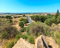 Widok od doliny świątynie, Agrigento, Sicily, Włochy Zdjęcie Stock