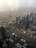 Widok od drapacza chmur puszka na mieście przy zmierzchem w Dubaj Zdjęcia Royalty Free