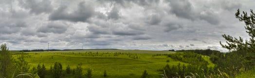 Widok od falezy w lesie Fotografia Royalty Free