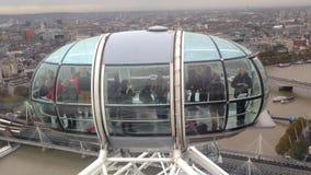 Widok od Ferris toczy wewnątrz Londyn zbiory wideo