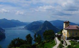 Widok od góry Bré Jeziorny Lugano w Południowym Szwajcaria zdjęcie stock