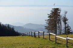 Mgliste góry w Czarnym lesie, Niemcy/ Obraz Stock