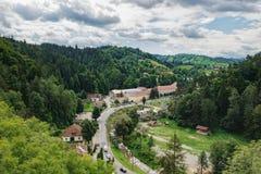 Widok od kasztelu Otrębiasta wioska, Rumunia zdjęcie royalty free