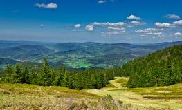 Widok od śladu Pilsko szczyt od Beskidy gór Obrazy Royalty Free