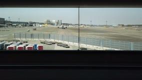 Widok od lotniska przy przejściem zakazywać zbiory wideo
