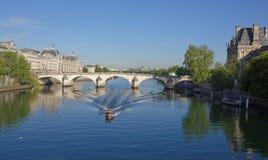 Widok od mosta Carrousel na moscie Królewski przy sunr Zdjęcia Royalty Free