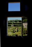 Widok od okno Francuski Formalny ogród zdjęcie stock