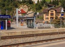 Widok od platformy Alpnachstad stacja kolejowa w Switz Zdjęcia Stock