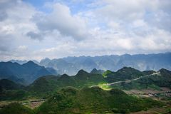 Widok od Quan półdupków nieba bramy, brzęczenia Giang prowincja, Wietnam Obrazy Stock