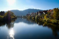 Widok od rzeki miasto obraz stock