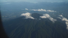 Widok od samolotowego okno na górach zbiory