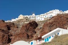 Widok od schronienia na Oia, piękna wioska na powulkanicznej wyspie Santorini Obrazy Stock
