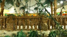 Widok od szklanej dźwignięcie windy sztuczna dżungla zdjęcie wideo