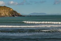 Widok od Titahi zatoki Marlborough Brzmi przez ocean obrazy royalty free